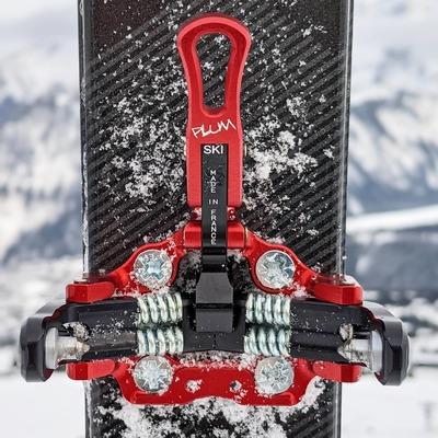 As light as trustworthy Aussi légère que fiable . . . #skimo #light #lightgear #skitouring #pierramenta #madeinfrance #plumbindings #plumrace #lightandstrong #skialpinisme #ffme #ismf