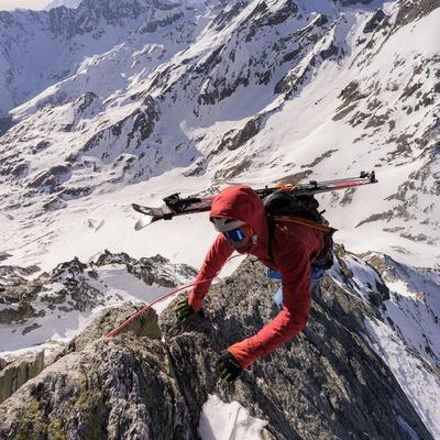 @bastien__fleury going fast & light up the NW ridge of Mont Gelé🇨🇭 . . 📸@bentibbettsphotography #skimo #skialpinisme #fastandlight #skiderando #skitouring #plumbindings #plumfamily