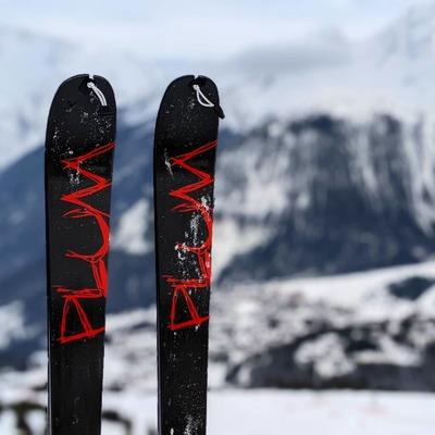Let's Rock (d'Enfer)🤘 . . . #skimo #lightgear #skitouring #collantpipette #skialpinisme #ski #plumbindings