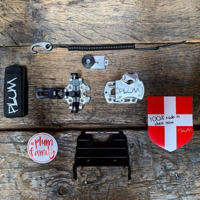 Plum survival kit ⛑ . . . #plumbindings #plumfixations #guide #skitouring #plumfamily #madeinfrance #gear #backcountry #freetouring #skimo #knowhow